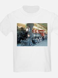 Antique train unique design T-Shirt