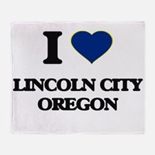 I love Lincoln City Oregon Throw Blanket