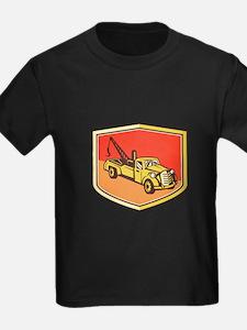 Vintage Tow Truck Wrecker Shield Retro T-Shirt