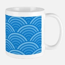Serene Blue Scallop Pattern Mugs