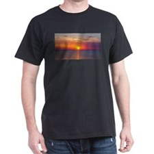 Red Sunrise Over Ocean (2) T-Shirt