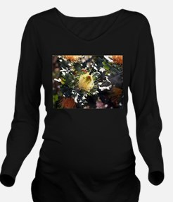 Bee on dryandra flow Long Sleeve Maternity T-Shirt