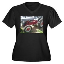 Old Grey Farm Tractor Plus Size T-Shirt
