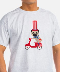 Patriotic Pug on a Scooter T-Shirt