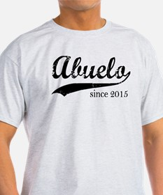 Abuelo since 2015 T-Shirt