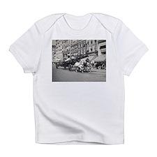 Vintage Horse Drawn Fire Truck (bla Infant T-Shirt