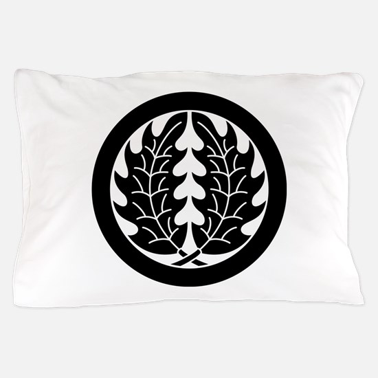 Embracing holly leaves in circle Pillow Case