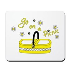 Go on a picnic basket Mousepad