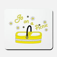 Go on a picnic basket Mousepad