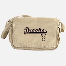Brooke Classic Retro Name Design wit Messenger Bag