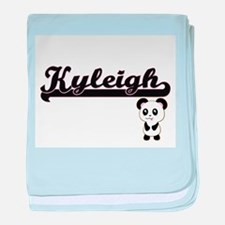 Kyleigh Classic Retro Name Design wit baby blanket