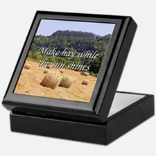 Make hay while the sun shines hay bal Keepsake Box