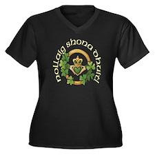 Christmas Claddagh Plus Size V-Neck Dark T-Shirt