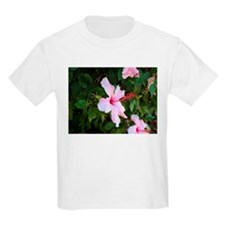 Pink hibiscus flowers in bloom T-Shirt