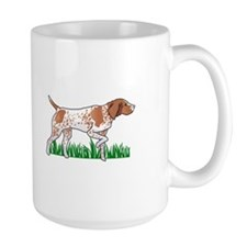 GERMAN POINTER IN GRASS Mugs