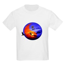 Yin yang - Sunset and herons in fly T-Shirt