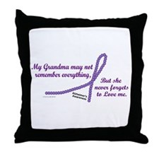 Never Forgets To Love (Grandma) Throw Pillow