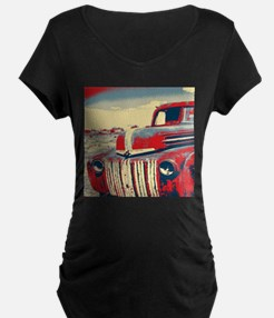 cool retro old truck Maternity T-Shirt