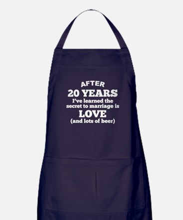 20 Years Of Love And Beer Apron (dark)