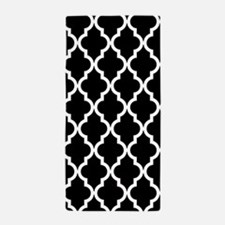 Black: Quatrefoil Moroccan Pattern Beach Towel