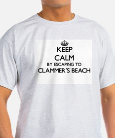 Keep calm by escaping to Clammer'S Beach M T-Shirt