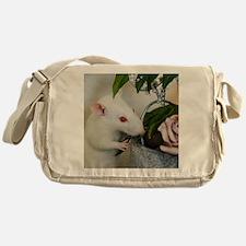 Unique White flowers Messenger Bag