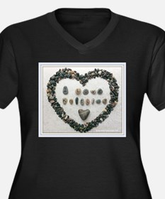 I Love Knitting with Heart Plus Size T-Shirt