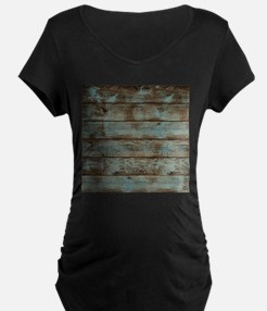 rustic western turquoise barn wo Maternity T-Shirt