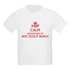 Keep calm and escape to Boy Scout Beach Ma T-Shirt