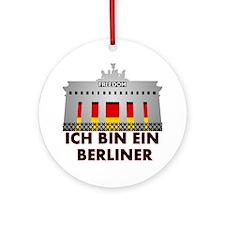 Cute Berliner Round Ornament