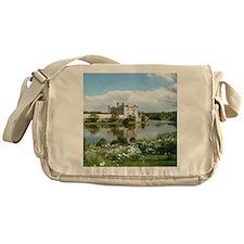 LEEDS CASTLE Messenger Bag