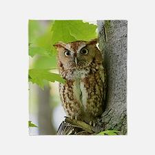 Red Sreech Owl Throw Blanket