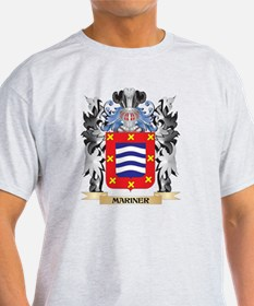 Mariner Coat of Arms - Family Cres T-Shirt