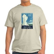 1930s Vintage Yellowstone National Park T-Shirt