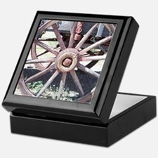 Wagon Wheel Keepsake Box
