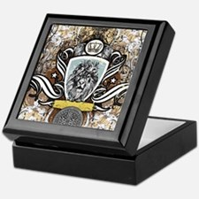 King (art as trophy) Keepsake Box
