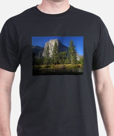 yosemite national park/ T-Shirt