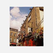 The Temple Bar Pub - Dublin Ireland Throw Blanket