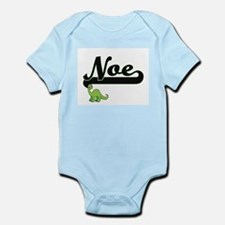 Noe Classic Name Design with Dinosaur Body Suit