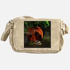 Halloween, pumpkin house Messenger Bag