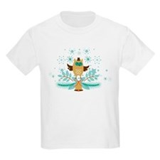 Cute Christmas Owl with Gold Christmas Bel T-Shirt