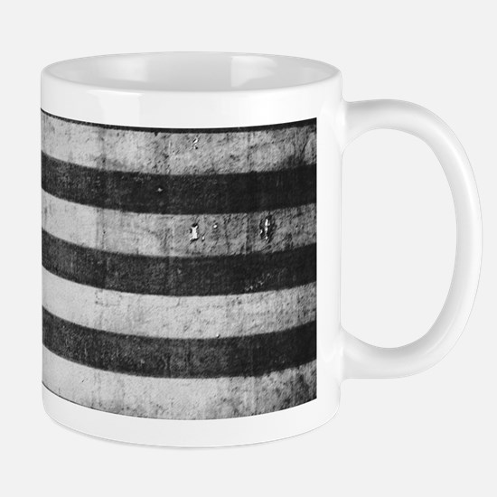 American Vintage Flag Black and White horizon Mugs