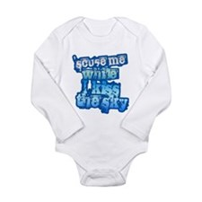 Cute Kiss me i%27m financier Long Sleeve Infant Bodysuit
