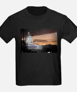 United States Capitol Building at Dusk T-Shirt