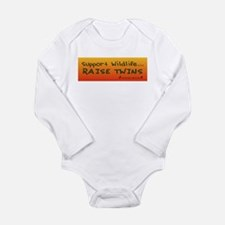 Funny Twins mom Long Sleeve Infant Bodysuit