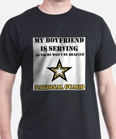 Funny Proud army girlfriend T-Shirt