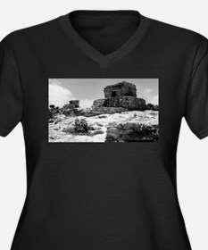 Temples of Tulum. Plus Size T-Shirt