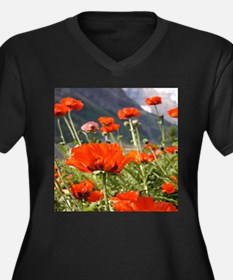 bold red poppy flower Plus Size T-Shirt