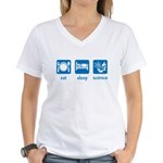 eat drink science Women's V-Neck T-Shirt