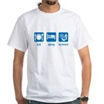 eat drink science White T-Shirt